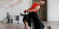 Performances della danzatrice Marta Bevilacqua / Schnurrbart